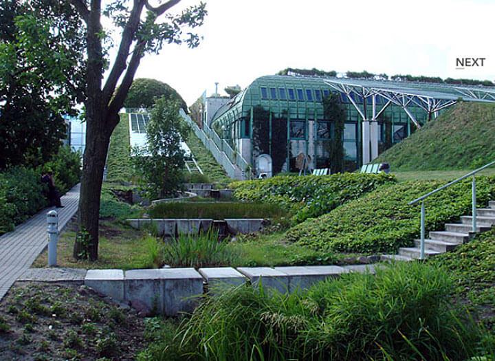 Fot. Dach użytkowy Biblioteki Uniwersytetu Warszawskiego