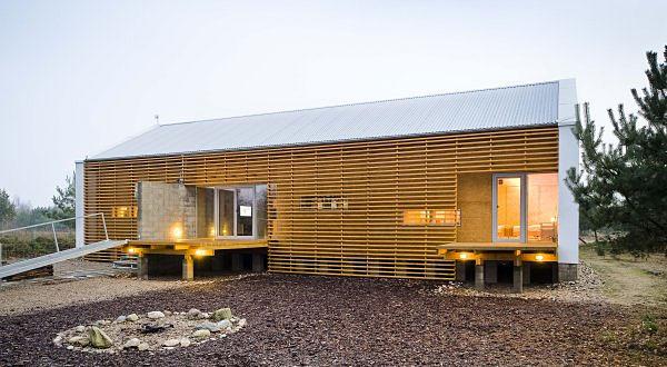 Autorski dom pasywny naturalnie wkomponowany w środowisko