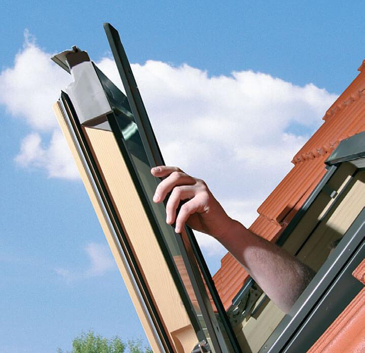 C – zdemontowanie dolnych blach trapezowych