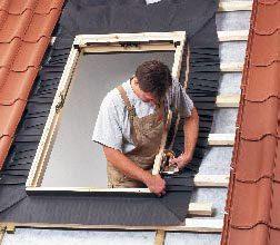 Fartuch przeciwwilgociowy – izolacja okna dachowego od zewnątrz