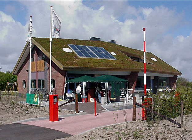 Fot. 9. Przykład dachu skośnego, Telex, Holandia
