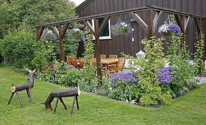Drewniane różności w domu i ogrodzie właściwie zabezpieczone