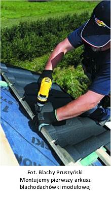 Praktyczny poradnik montażu blachodachówki modułowej – mocowanie listwy startowej oraz paneli blachodachówki modułowej ARAD PREMIUM