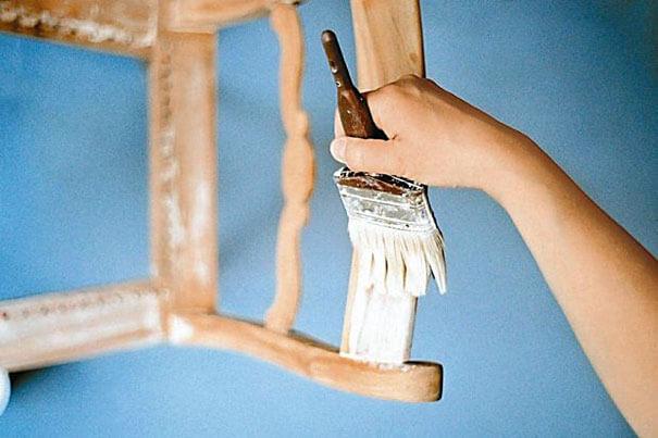 Bejca do dekoracji drewna – lifting dla starych mebli