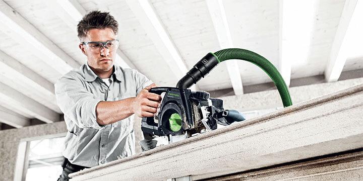 Fot. 5. UNIVERS SSU 200 pilarka mieczowa: uniwersalna do prac przy konstrukcjach drewnianych.