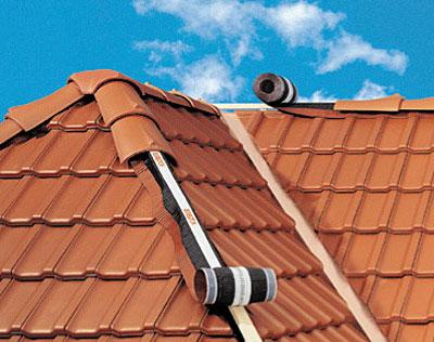 Taśmy wentylacyjno-uszczelniające Roll-Fix i Compact-Roll -prawidłowa cyrkulacja powietrza i ochrona przed wilgocią