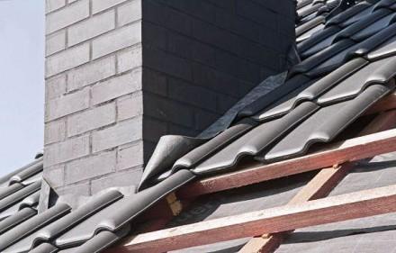 Obróbka komina z blachy - uszczelnianie komina metodą twardą