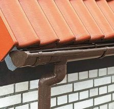 Wiosenne porządki na dachu - rynny