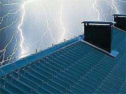 Instalacja odgromowa na dachu – piorunochron