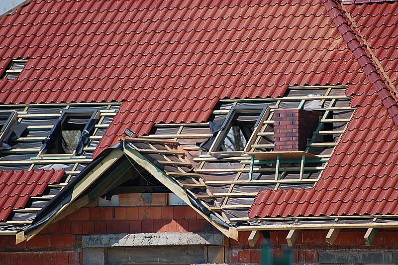 Obróbki kominów, okien połaciowych, wyłazów i wywietrzników