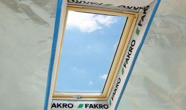 Okna dachowego ciepły montaż