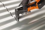 Fot. 1. Nożyce FEIN umożliwiają szybkie i precyzyjne cięcie blachy trapezowej i falistej, blachy w arkuszach i profili bez zniekształcania brzegu materiału. Prędkość obrotowa jest regulowanaelektronicznie.