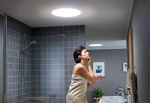 Fot. 1. Świetlik tunelowy doskonale sprawdzi się w łazience na poddaszu.