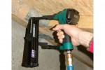 zlacza-ciesielskie-wykorzystanie-gwozdziarki-do-gwozdzi-typu-anchor-kotwowych