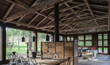 nowoczesna-STODOŁA-Barn-House-at-Lake-Ranco-1