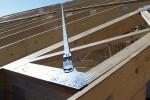 Fot. 1. Stężenie połaciowe dachu z prefabrykowanych wiązarów.