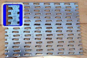 Fot. 3. Każda płytka Mitek jest oznakowana. Pozwala to zweryfikować, nawet po latach, czy zastosowano łączniki zgodne z projektem konstrukcyjnym.