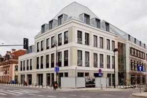 Budynek biurowo-usługowy Plac Zamkowy – Business with Heritage
