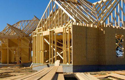 Fot. 1. Budynek drewniany o konstrukcji szkieletowej.