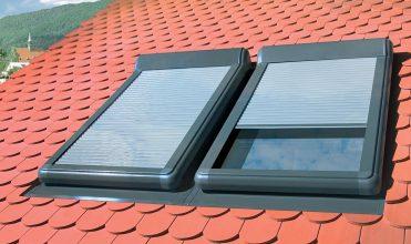 Rolety w oknach dachowych – dobry klimat na poddaszu. Fot. FAKRO