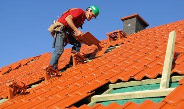 Budowa lub remont dachu: jak wybrać dekarza?
