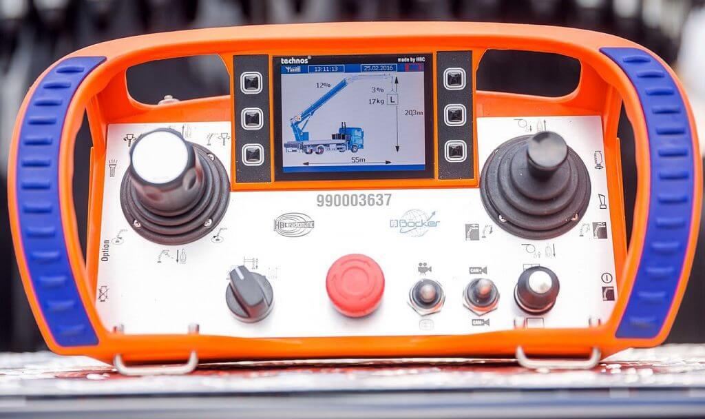 Fot. 3. Proste sterowanie radiowe z kolorowym wyświetlaczem.
