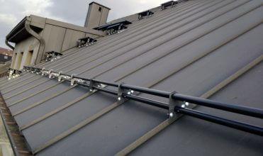 Zabezpieczenia przeciwśniegowe do każdego pokrycia dachowego