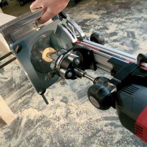 Fot. 4. Prowadnica równoległa z bocznym zderzakiem to idealne rozwiązanie przy produkcji seryjnej.