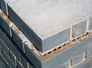 Fot. 3. Przykład wykonania komina z cegły szczelinowej. fot. Marek Podeszwa