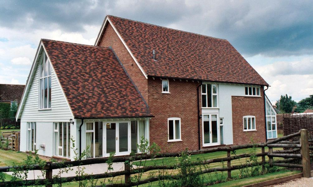 Inwestycja w Wielkiej Brytanii. Połączenie dwóch kolorów Heritage Medium i Brown.