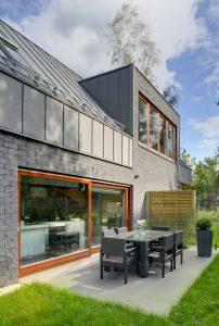 Dom jednorodzinny przy ulicy Tukana w Warszawie to autorskie dzieło architekta Damiana Cyryla Kotwickiego.