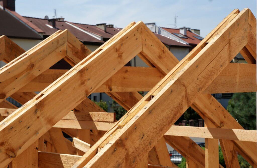 Jak naprawić więźbę dachową? Poradnik krok po kroku