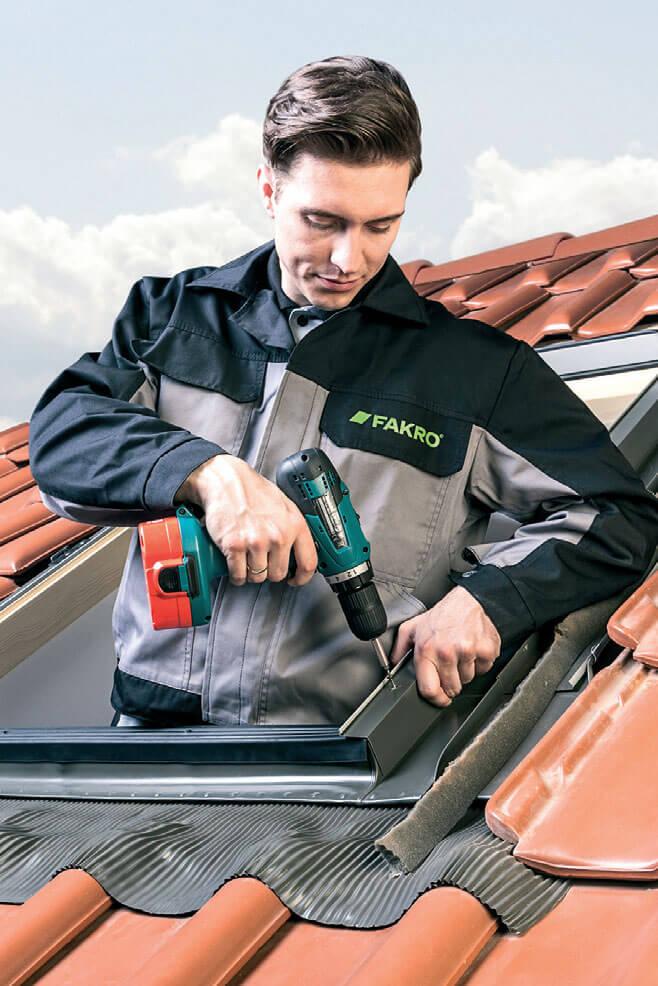Montaż okna wyłazowego FW - wyłazy dachowe