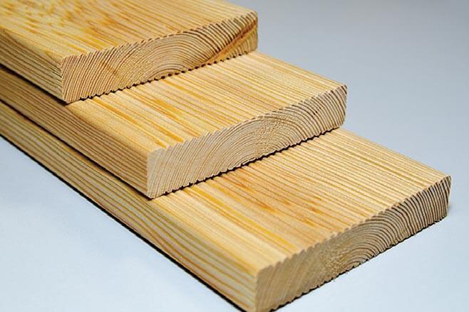 Zdj. 3. Deska tarasowa. Drewno profilowane DREW-BUD