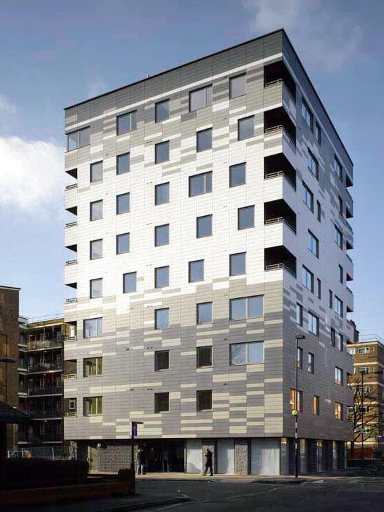 Fot. 1. Apartamentowiec w Londynie - odporność ogniowa konstrukcji drewnianych