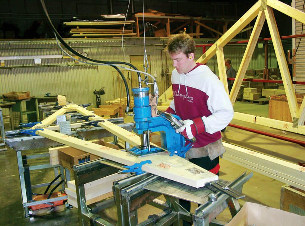 Wszystko dla producentów wiązarów dachowych od Mitek Industries Polska