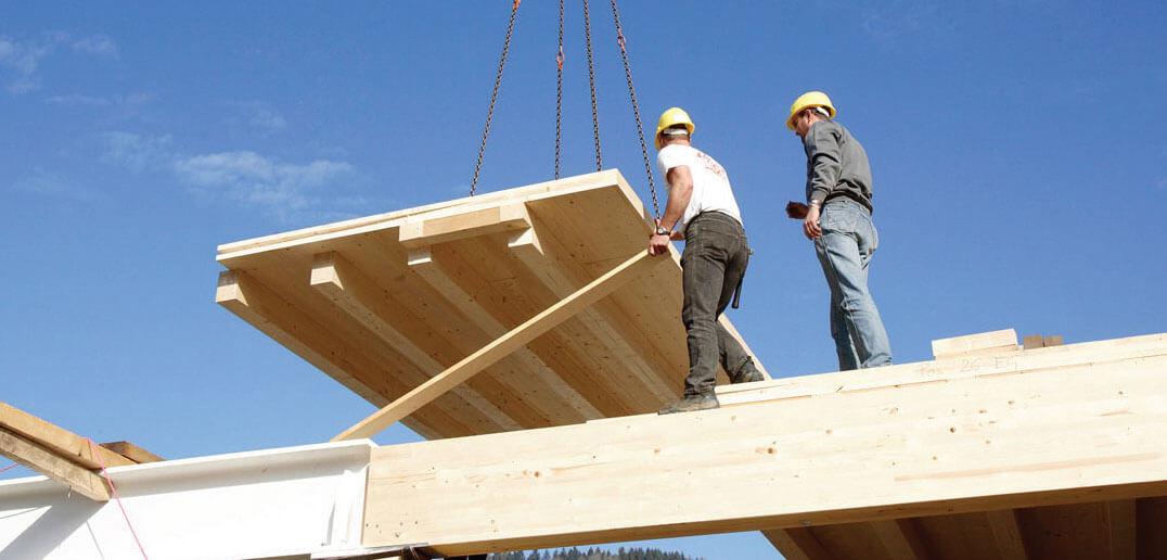 Przedstawiciel producenta CLT oraz HBE: www.glulam.pl CLT – drewno klejone krzyżowo