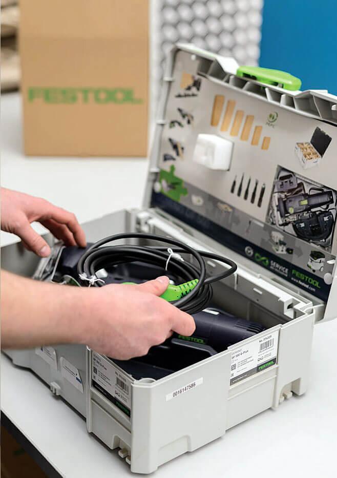 Naprawione narzędzie odsyłane jest na wskazany adres. Festool SERVICE
