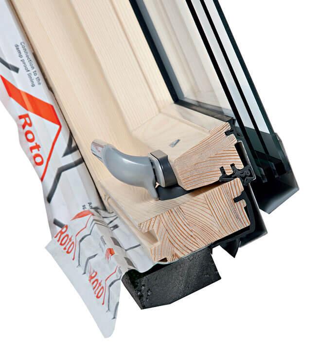 Przekrój okna Designo R7. Energooszczędne okna dachowe ROTO