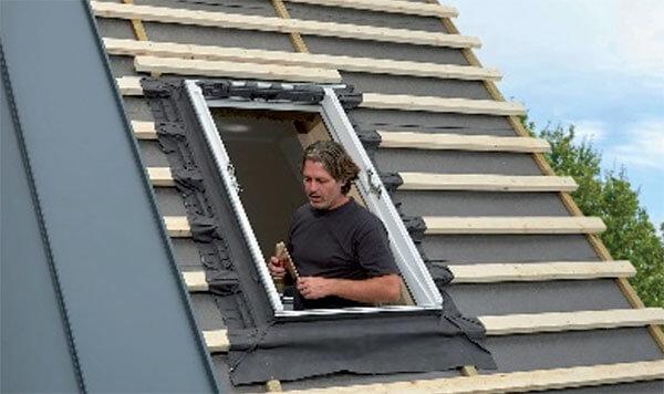 Montaż okna dachowego VELUX z kołnierzem EDQ krok po kroku