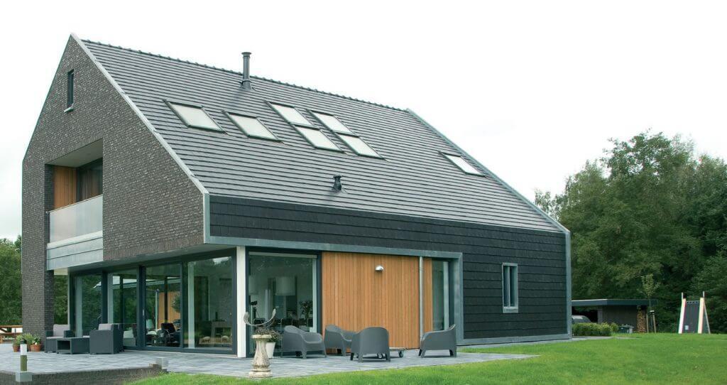 okna dachowe FTT U8 Thermo o współczynniku przenikania ciepła Uw = 0,58 W/m²K.