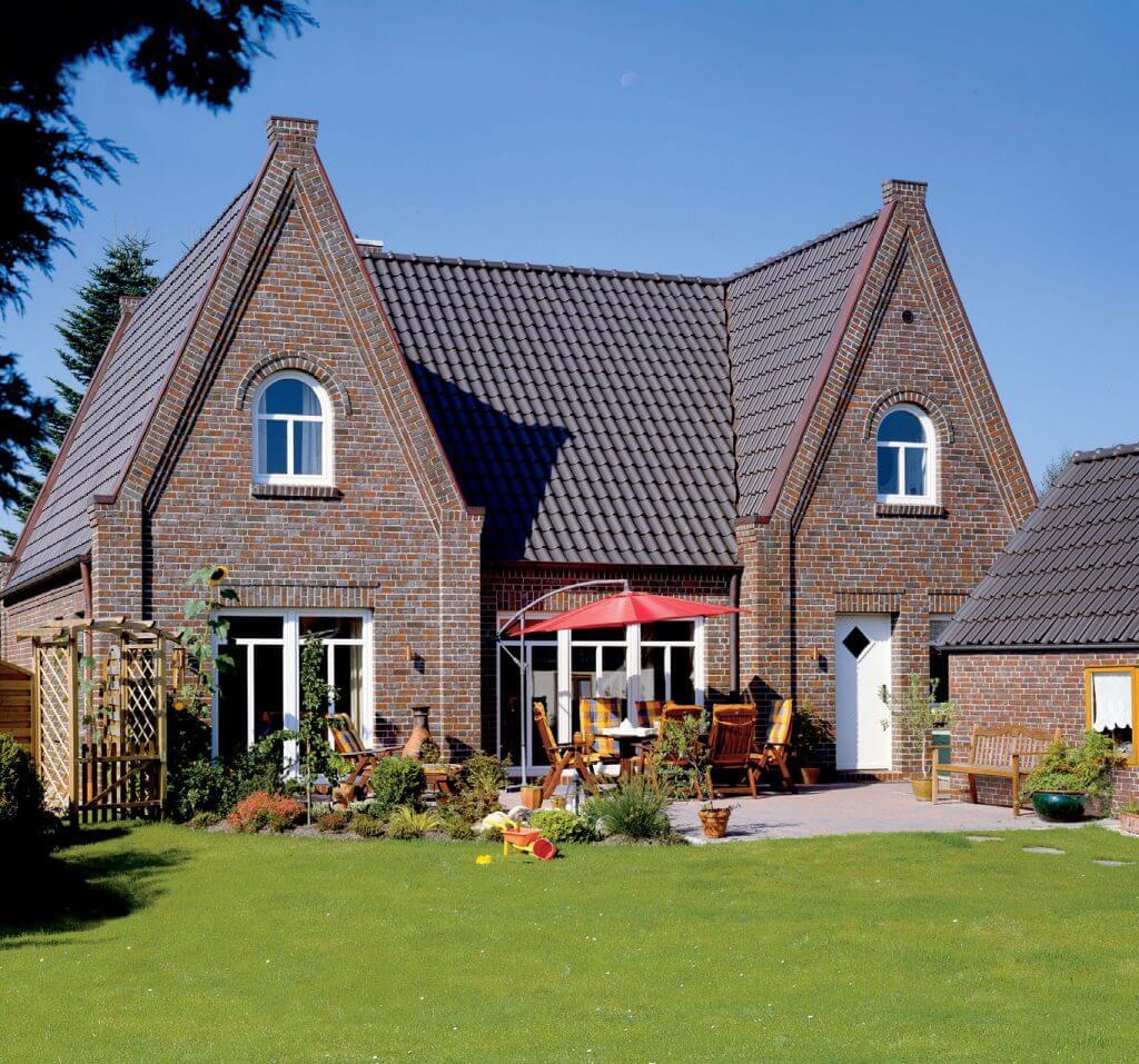 Wichrowatość, regularność i prostoliniowość dachówek ceramicznych Röben