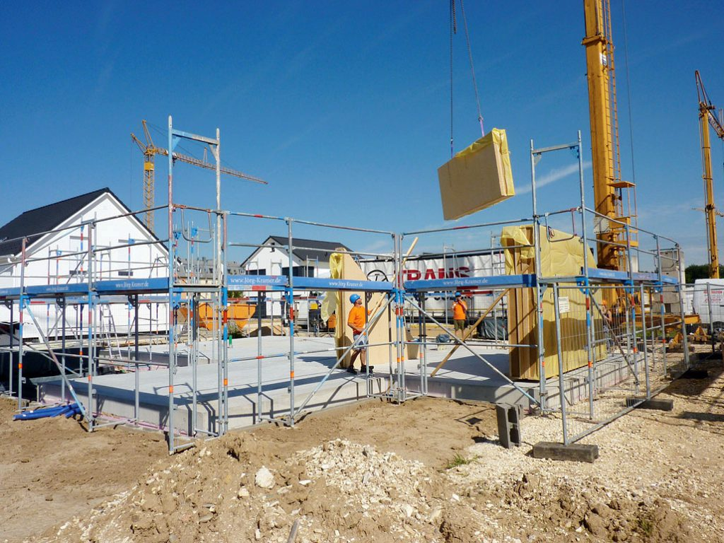 Domy Biedrzycki – montaż prefabrykowanego domu pasywnego.