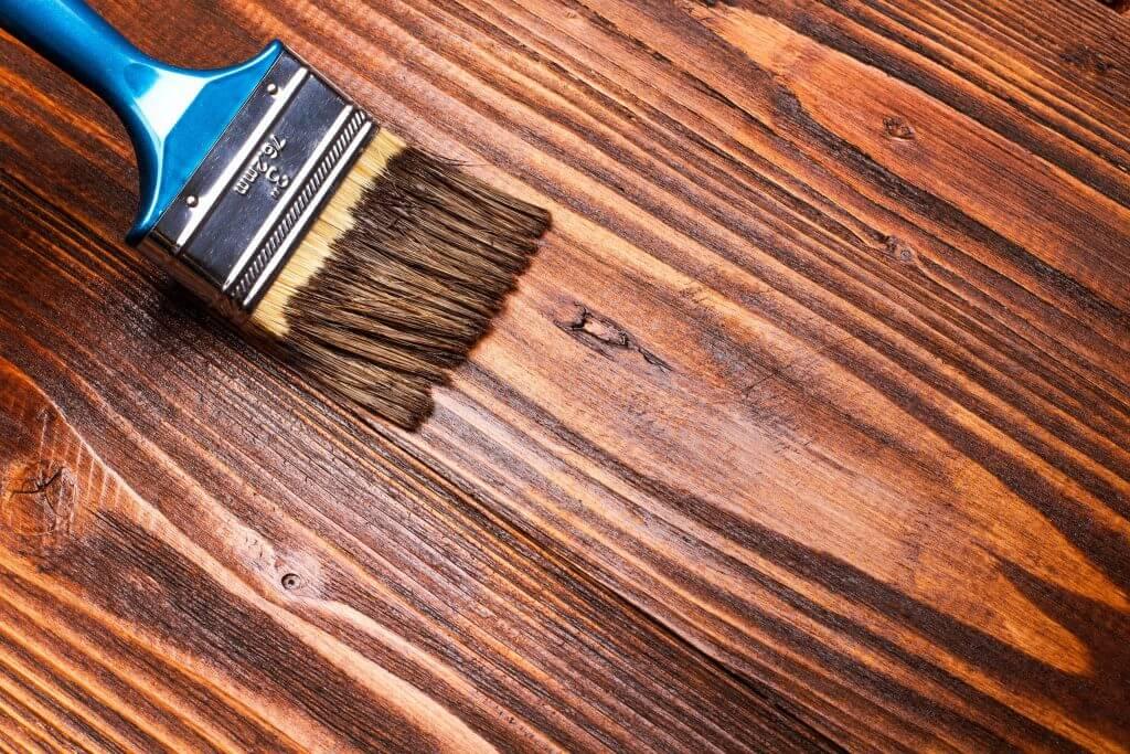 konserwacja drewnianej elewacji sadolin