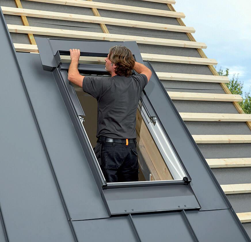 Montaż okna dachowego z kołnierzem VELUX EDQ.
