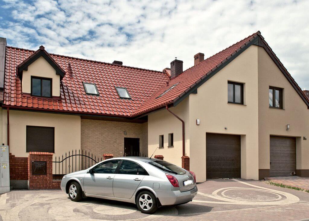 Dom jednorodzinny z dachówką MONZAplus.