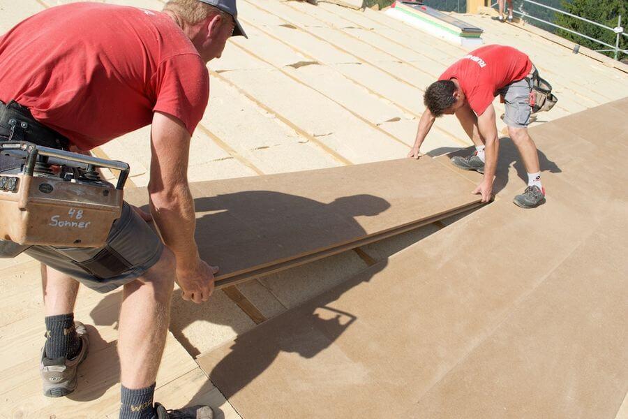 Montaż pyty dachowych