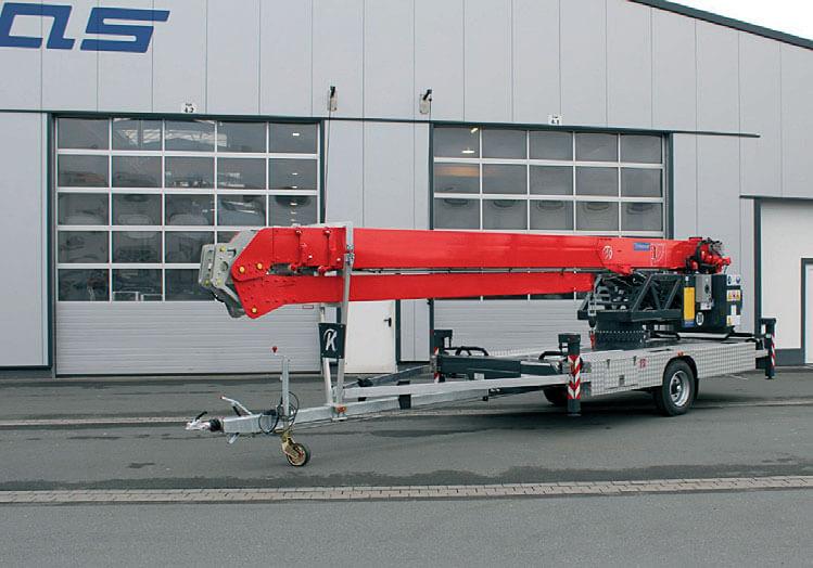 Dźwig na przyczepie K 21-30 TSR.